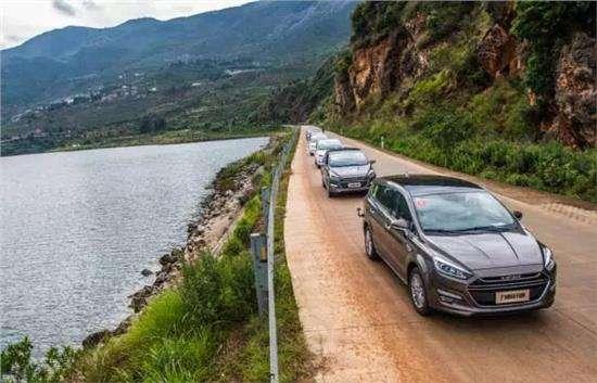 大数据显示国庆自驾游,川藏公路为最火的线路